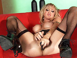 Olivia love. Amazing tgirl Olivia Love make love her bottom & masturbating