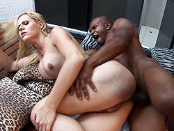 Mel voquel amp capoeiro Ladyboy Mel Voquel gets her booty banged by Capoeiro.