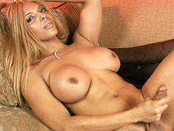 Mimi plastique. Tranny hottie Mimi Plastique jerking off