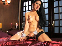 Melissa raven. Titillating Melissa Raven stroking off her juicy tool