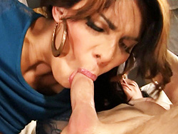 Teigh jiana heavycore  lovely tranny jiana blowing and riding a heavy cock. Pleasant shemale Jiana blowing and riding a heavy dick
